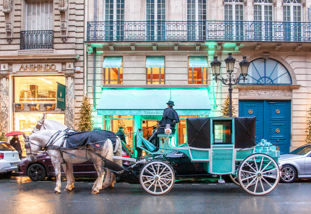 Horse and Carriage in front of Tiffany's store - The Best Things About Christmas in Paris France