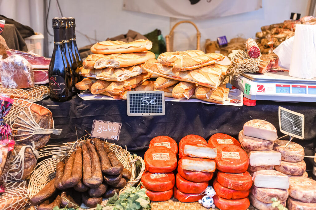 Christmas market in Paris - The Best Things About Christmas in Paris France