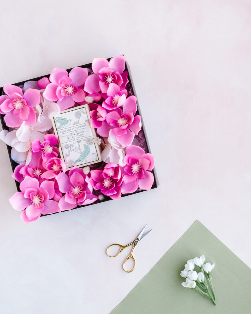 Flower gift box DIY