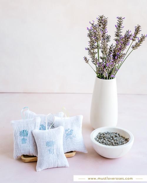 How to make lavender sachets